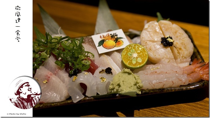 豪華綜合生魚片(厚岸生蠔、炙燒青甘、鮪魚、海苔醬軟絲、甜蝦、海鱺、北海道大干貝)-微風建一食堂