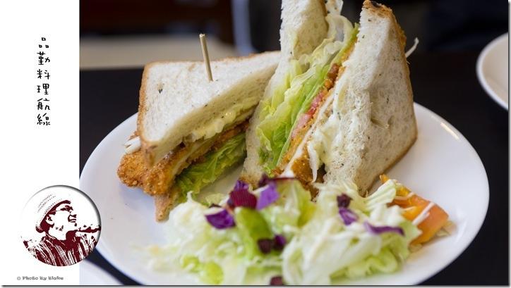 美式塔塔醬雞排三明治-桃園美食-品勤料理航線-鐵道餐廳