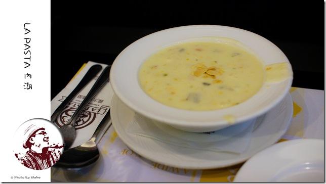 LAPASTA義大利麵屋-今日特製湯(奶油磨菇濃湯)